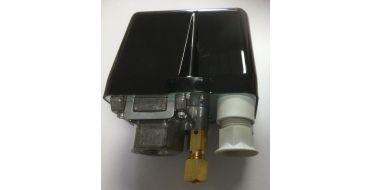 3 Phase Condor Pressure switch 3/8 x 12 Bar - 1 Way 3 Pole 415 Volt